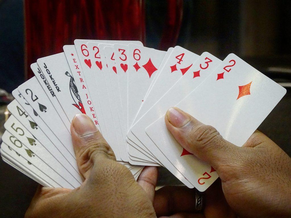 百家樂技巧之算牌法與尋牌法